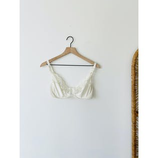 80's Ivory Lace Bra by Chantilly Maidenform