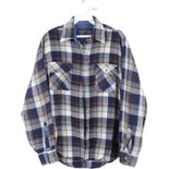80's Men's Plaid Flannel Button Up Shirt by Country Touch
