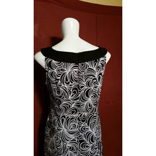 70's Black and White Swirl Pattern Sleeveless Shift Dress