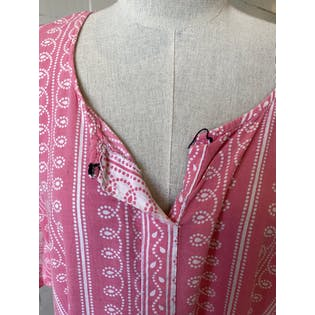 Pink Short Sleeved Henley Caftan with Lined Pattern
