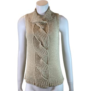 Wide Cable Knit Sleevless Sweater