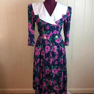 80's/90's Rockabilly Wide Collar Floral Carnation Dress